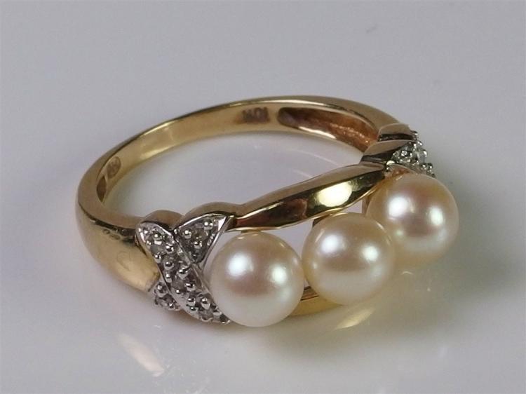 10K Triple Pearl Diamond Ring, Size 7-1/2