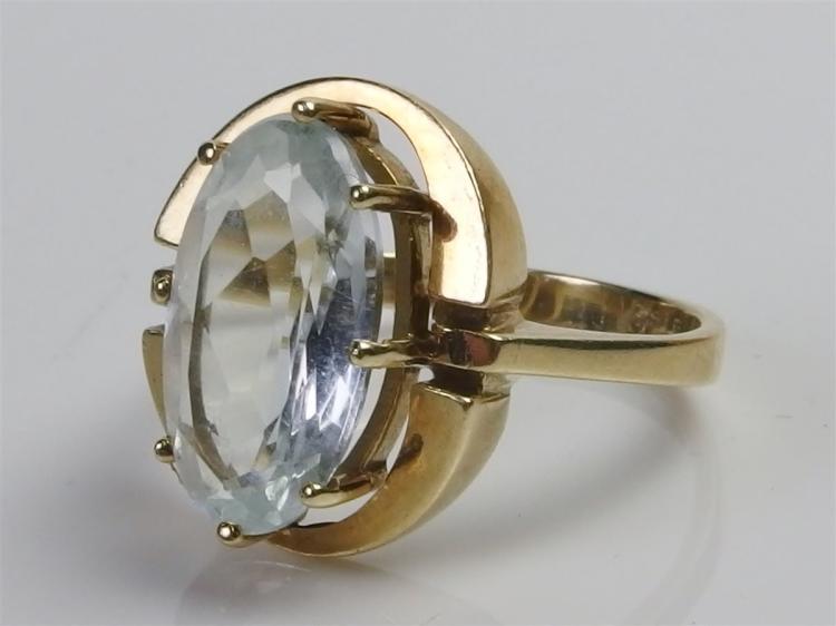 14K Gold Aquamarine Ring, Size 6-1/2. 4.7g