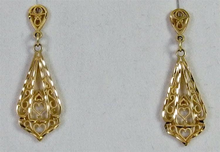 """10K Gold Filigree Earrings 1-1/8"""". 1.8g"""