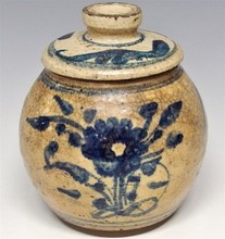 Swatow Ware Covered Jar