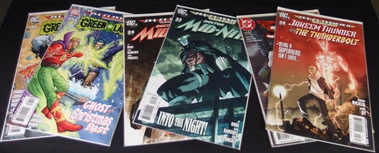 Lot of 24 - Uncirculated and Carded JLA & JSA Comics