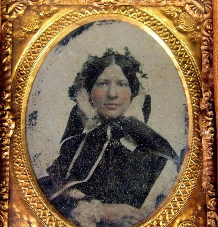 Lot 83: Lot of 2 - Antique Daguerreotype Photographs & Frames