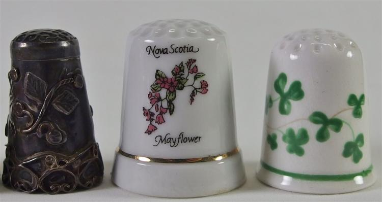Lot 117: Lot of 6 - Collectible Thimbles (1 Sterling)