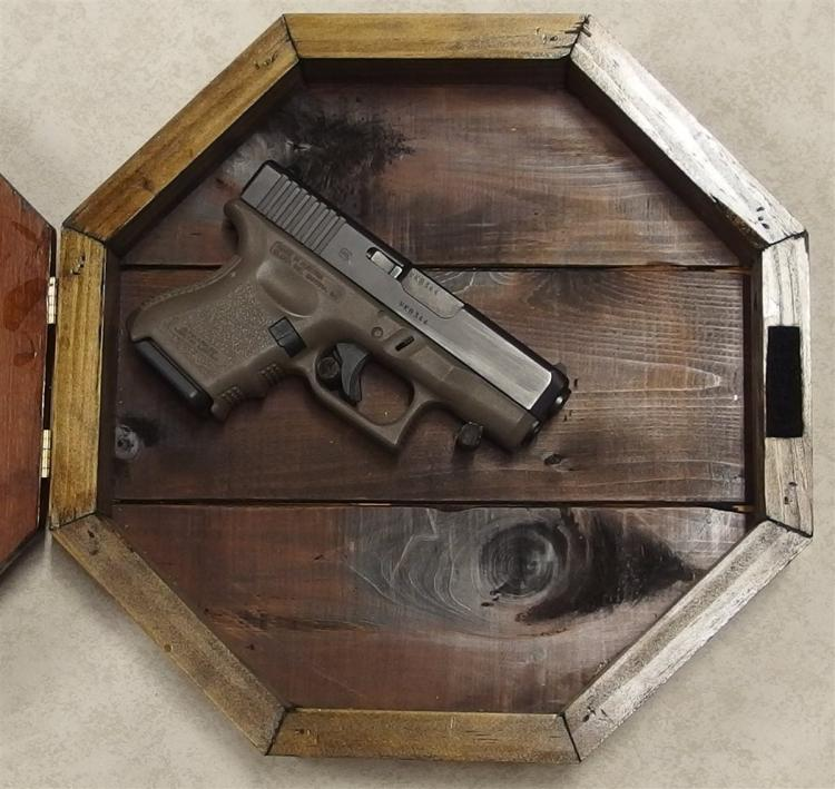 Lot 8N: Custom-made Hand Gun Safe/Clock, Quartz