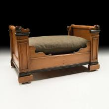 c.1900 Louis Philippe-style Miniature doll/pet bed