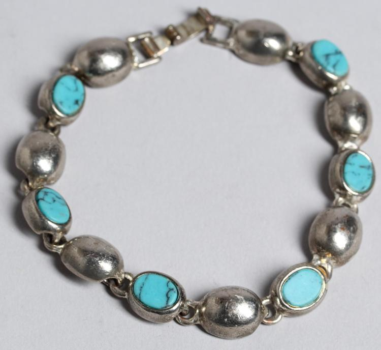 5 faux turquoise costume jewelry pieces for Turquoise colored fashion jewelry