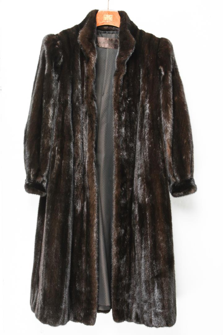 Mink Coat Value >> Mink Coat Vintage Fur In Natural Ranch