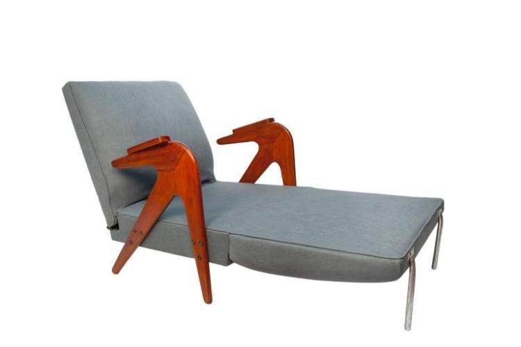 Lina Bo Bardi Convertible Lounge Chair in Linen