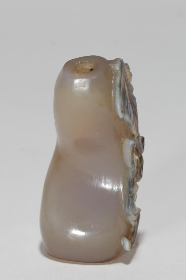 Chinese jade snuff bottle carved nephrite