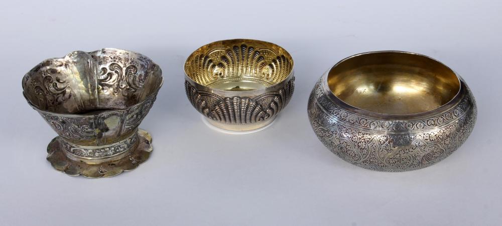 THREE SILVER BOWLS 800/000 silver