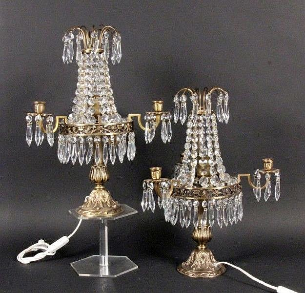 A PAIR OF CANDLESTICKS 3-light. Bronze with glass