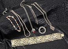 A LOT OF 7 SILVER JEWELLERY ITEMS Some with gems