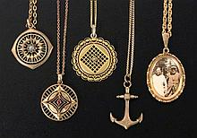 A LOT OF 5 PENDANTS ca. 1900 With chains