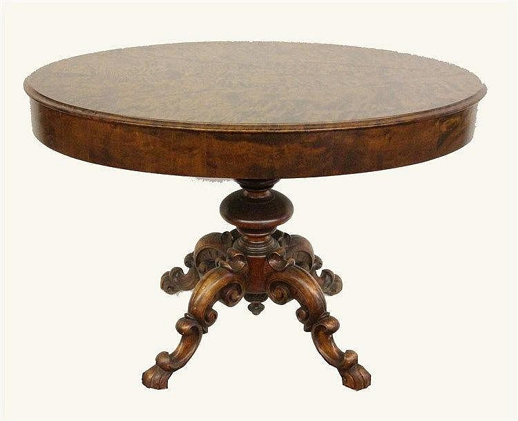 AN OVAL TABLE end of 19th century Veneered root
