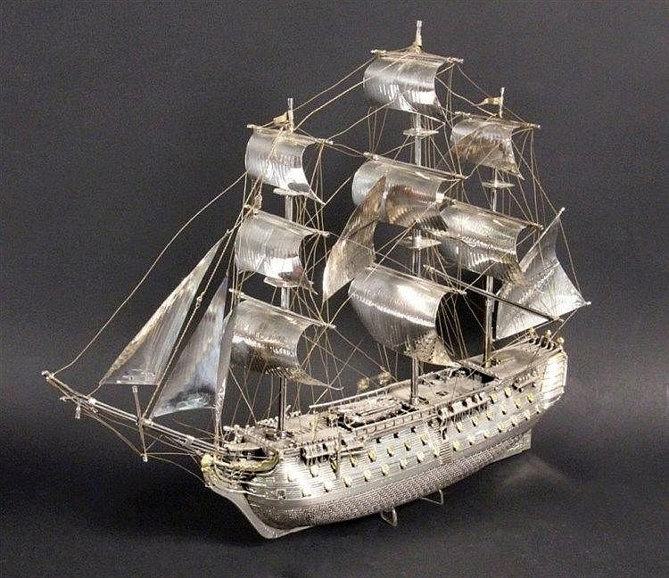 A MODEL SHIP OF THE ''VICTORY'' Fratelli Magrino