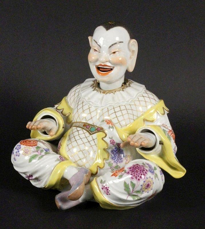 A NODDING PAGODA FIGURE Meissen ca. 1900 A seated