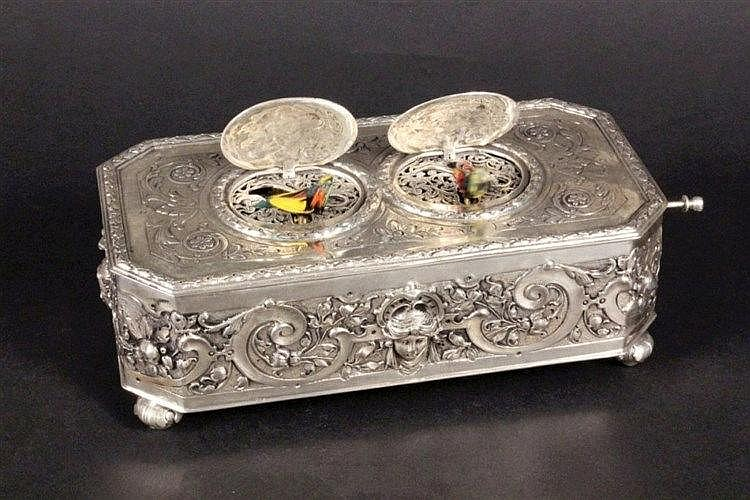 A RARE MUSIC BOX WITH TWO SINGING BIRDS German