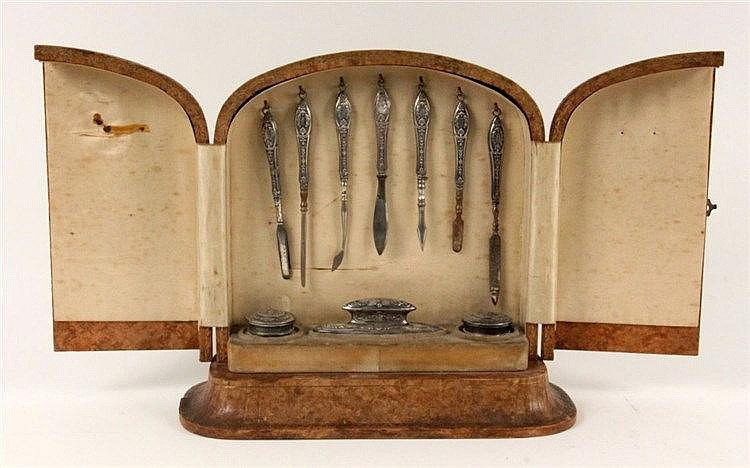 A MANICURE SET France ca. 1900 2-door box covered