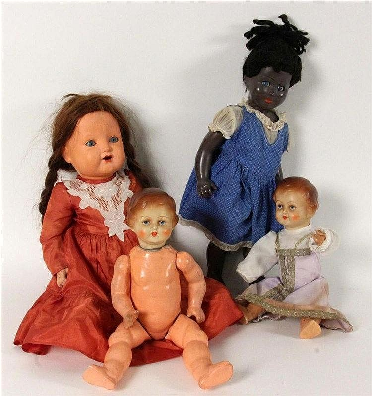 A LOT OF FOUR DOLLS Mass, plastic. Among those a