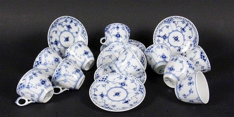 MUSSELMALET Royal Copenhagen Set of 8 cups and 8