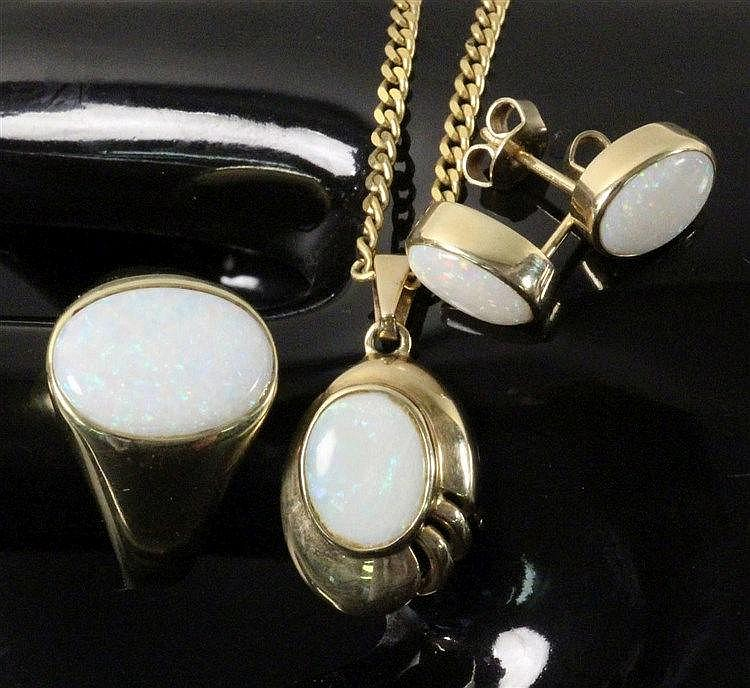 OPAL SET JEWELLERY 585/000 yellow gold