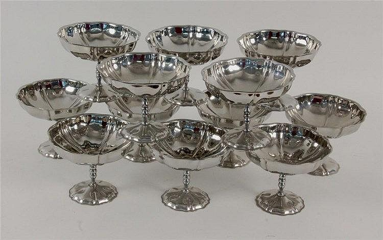 A SET OF 12 ICE CREAM BOWLS Silver-plated metal