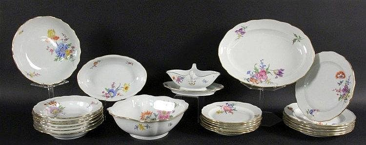 A DINNER SERVICE Meissen, 20th century Curved