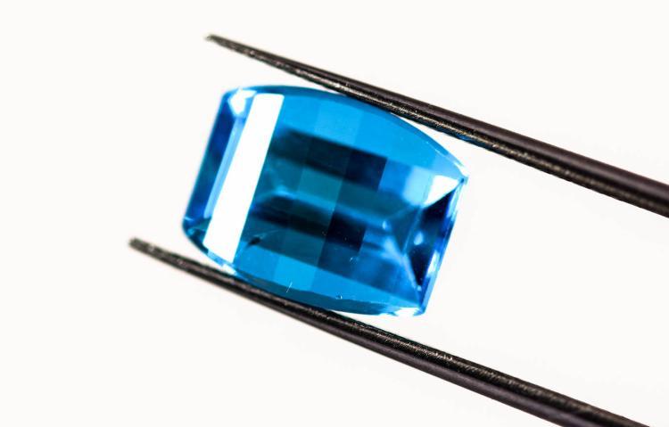 Blue Topaz 3.78 ct