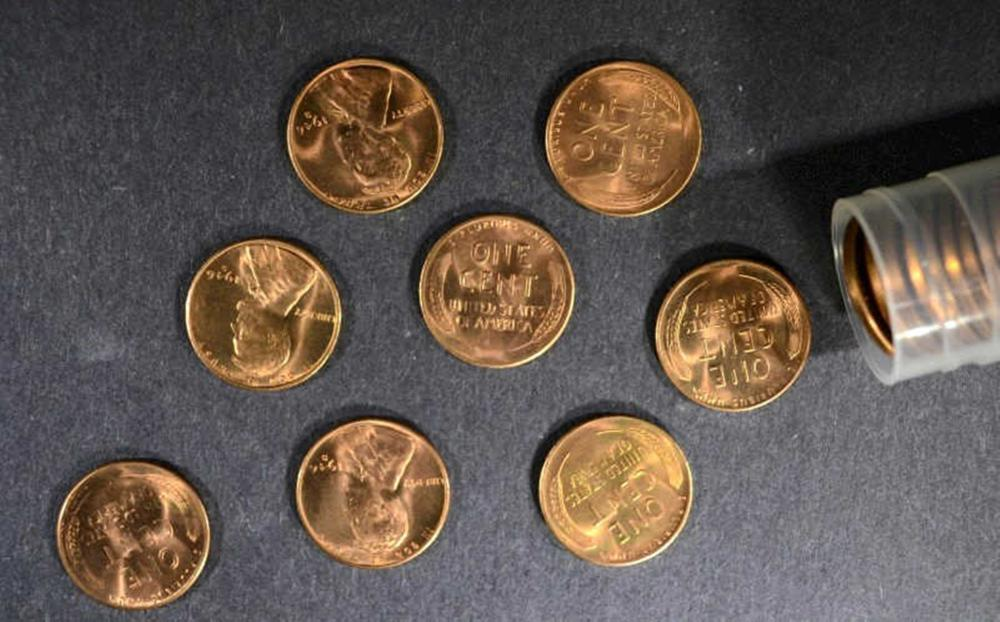 Lot 302: BU ROLL OF 1946-S LINCOLN CENTS