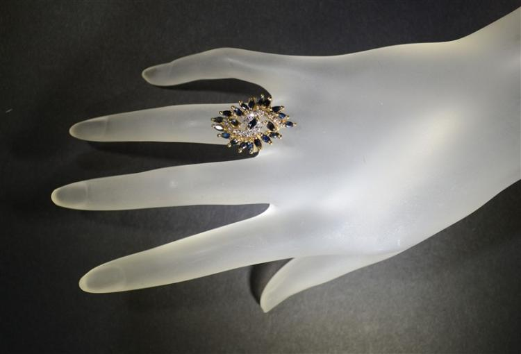 10kt GOLD LARGE DIAMOND & BLUE SAPPHIRE RING
