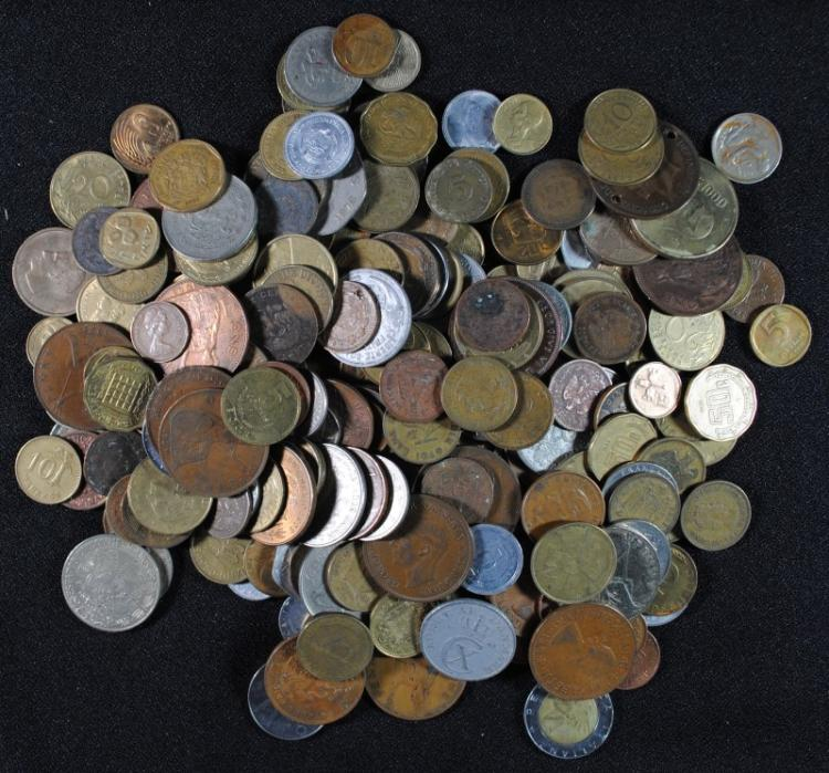 GOOD MIX OF UNSEARCHED FOREIGN COINS, MANY LARGER COINS ( 5 POUND BAG )