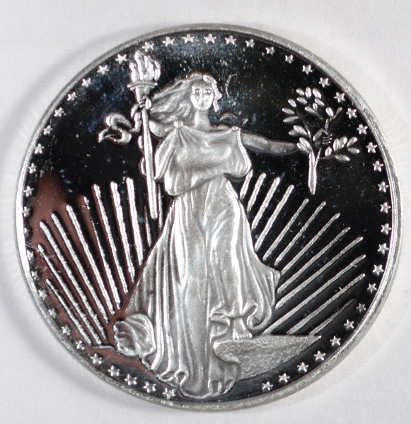 A NICE ONE OUNCE .999 SILVER ROUND