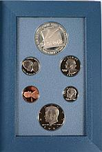 1993 U.S. PRESTIGE PROOF WITH  BILL OF RIGHTS SILVER  DOLLAR AND SILVER HALF