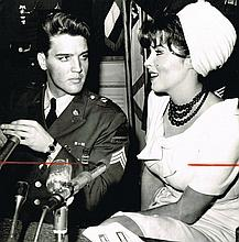ELVIS PRESLEY 1960 MARCH PRESS PHOTO.