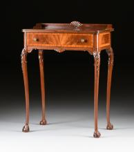 AN EDWARDIAN CARVED MAHOGANY LADY'S WRITING DESK, EARLY 20TH CENTURY,