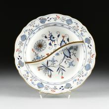 A MEISSEN PORCELAIN DIVIDED SERVING PLATE IN THE