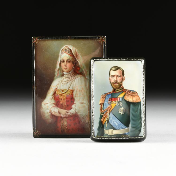 A GROUP OF TWO RUSSIAN LACQUERED PAPIER MACHE BOXES, FEDOSKINO, CIRCA 1998-2000,