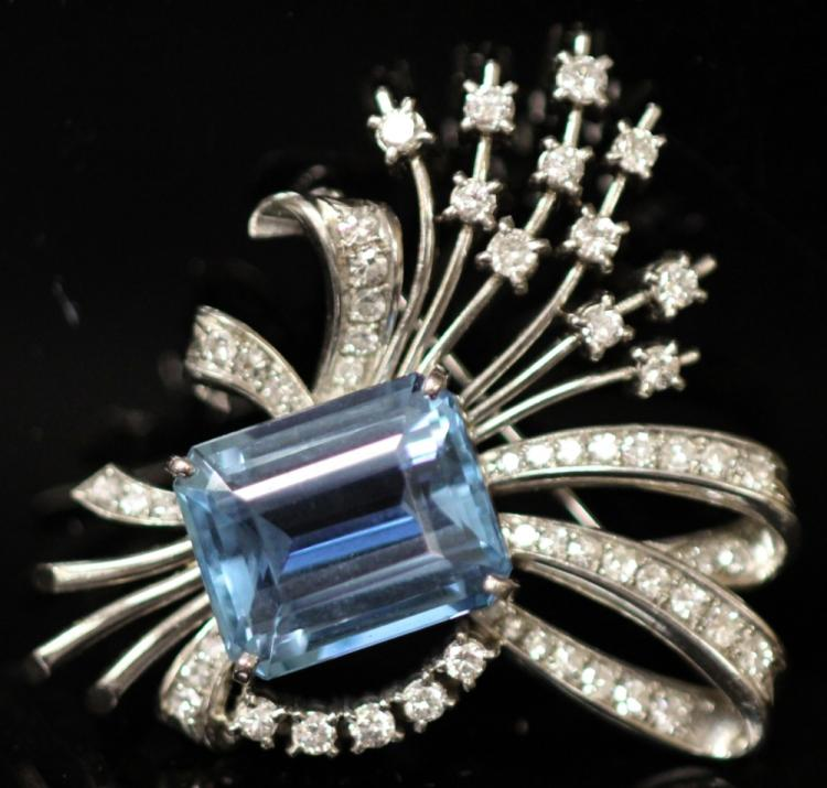 VINTAGE AQUAMARINE AND DIAMOND BROOCH, PLATINUM