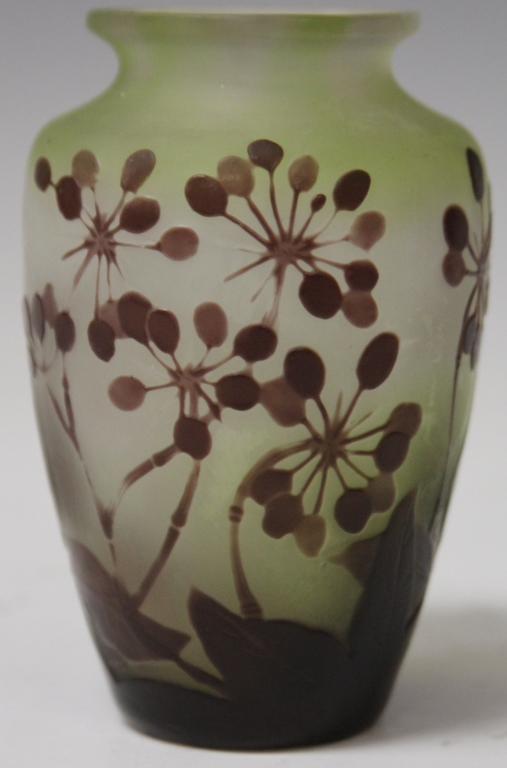 GALLE FLORAL VASE, LAVENDER ON GREEN