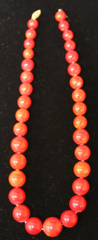 VINTAGE LADY'S CORAL BEADED NECKLACE