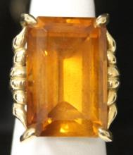 LADY'S 18KT YELLOW GOLD CITRINE RING
