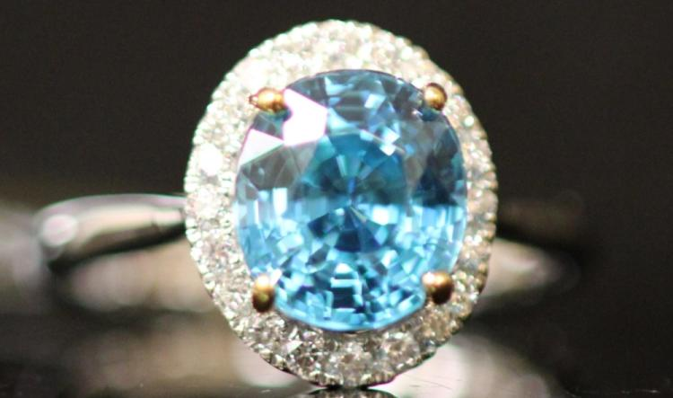 LADY'S BLUE ZIRCON DIAMOND RING