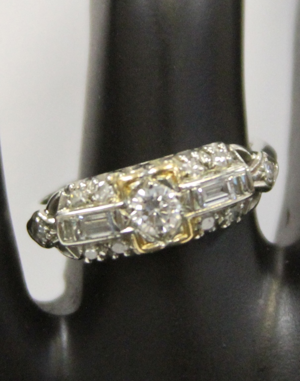 VINTAGE LADY'S 14KT DIAMOND RING