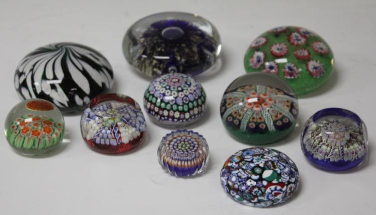 LOT OF (10) VINTAGE ART GLASS PAPERWEIGHTS