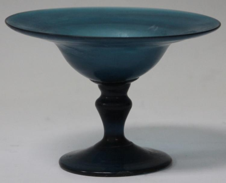 ART GLASS CENTER BOWL, POSSIBLY STUBEN