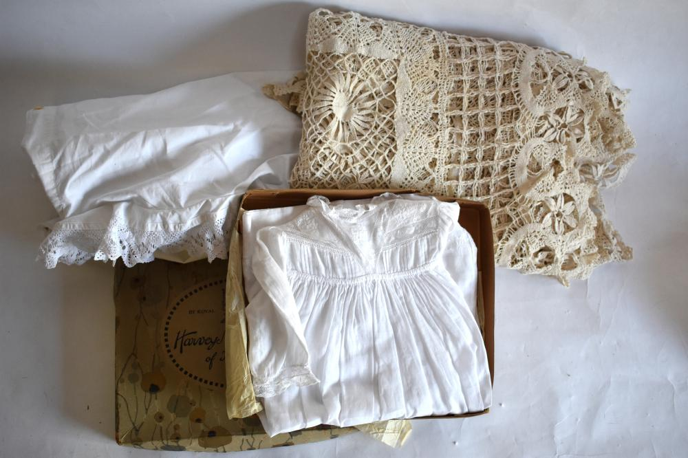 Large hand-worked cotton bedcover and quantity of table linen etc.