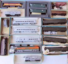 Lot of (17) assorted Athearn HO Trains w/ Locos
