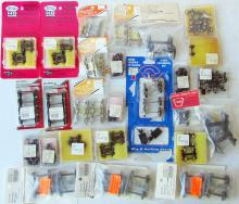 Lot of assorted G, O, and HO Scale Train Trucks