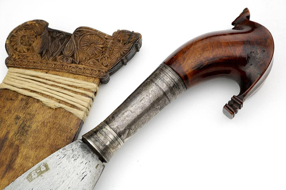 Nice Quality 19th C. Philippine Moro Chiftain's BARONG Sword with Silver Mounted Hilt.