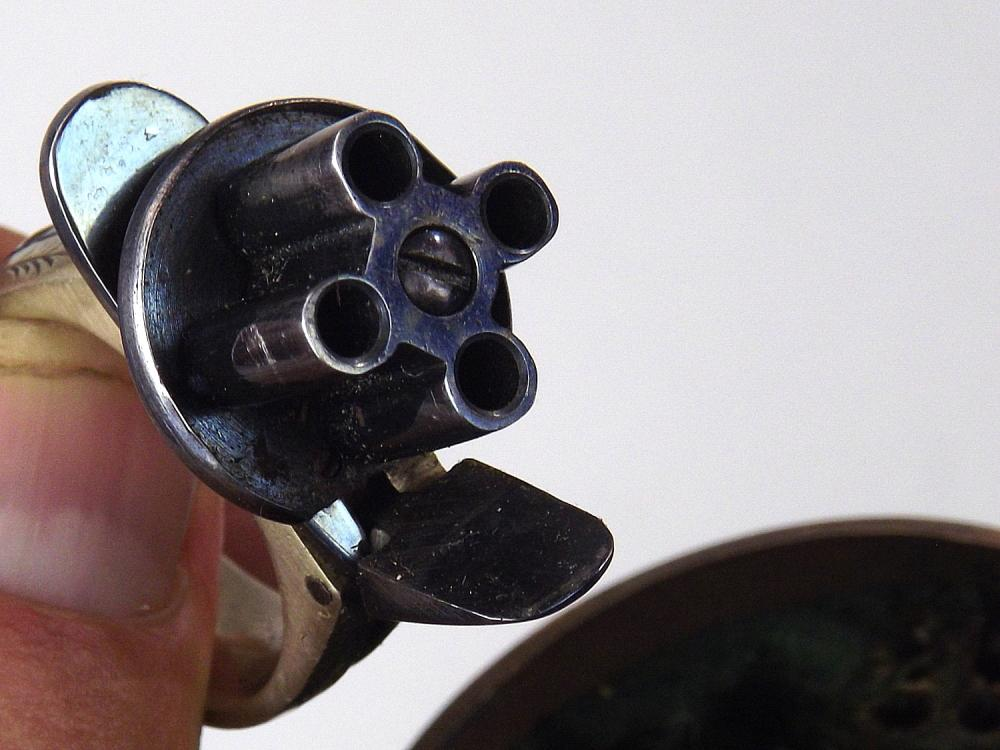 Outstanding 19th C  Gamblers Walking Cane with 4-shot Ring Gun
